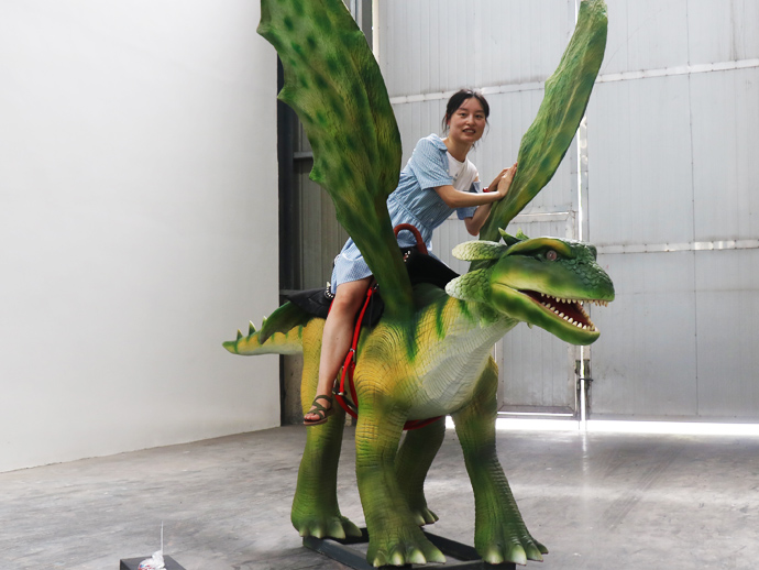 Animatronic dragon ride for the amusement park